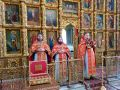 Богослужение в день Радоницы в Петропавловском кафедральном соборе